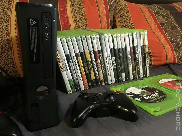 Xbox 360 slim 250 go excellent état + 2 manettes officiels