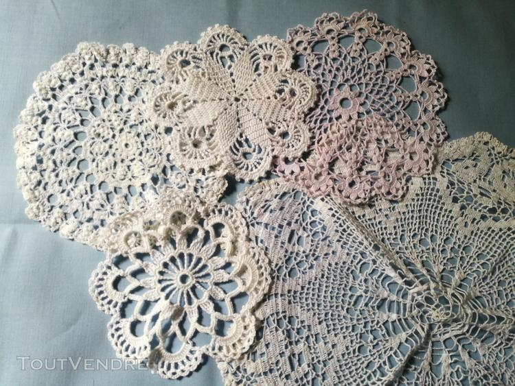 Anciens napperons en dentelle / fil coton attrape rêves