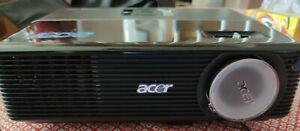 Projecteur acer p1200 pour réparation ou pièces lire