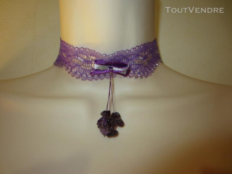 Collier ras du cou violet et argenté