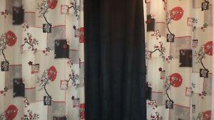 rideaux et coussins assortis