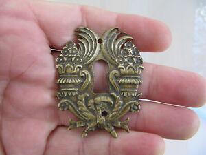 Très belle ancienne entrée de serrure ornement bronze.pas
