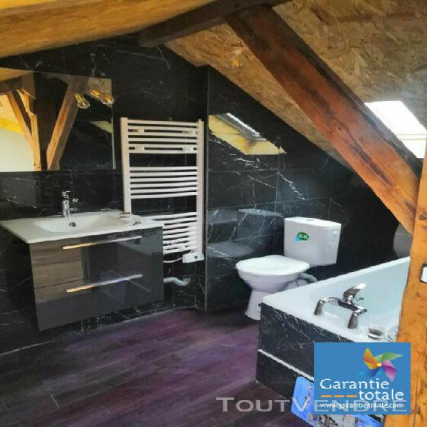 Duplex 66 m2 - 1 480 € cc