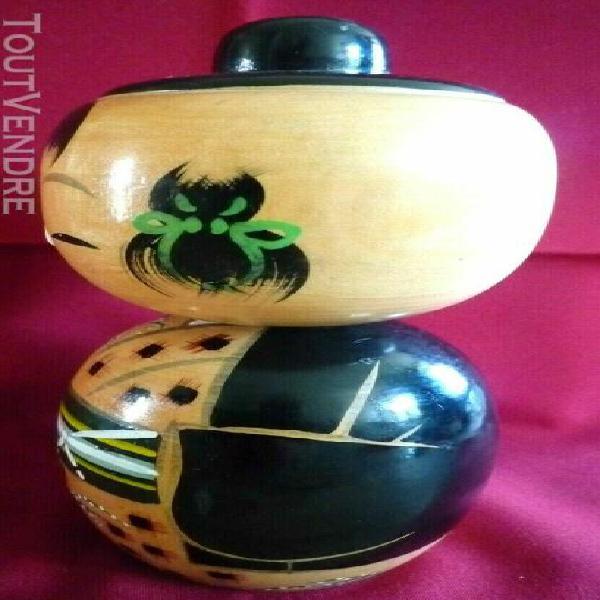 poupee japonaise ancienne en bois laque - kokeski - japon -