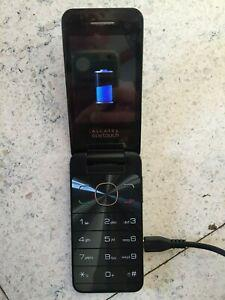 Telephone portable alcatel onetouch ref 20.12d + chargeur +
