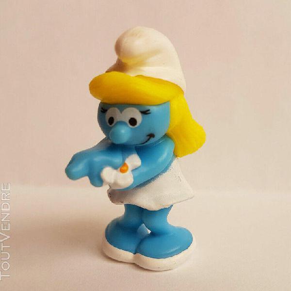 johan  7 cm figurine les schtroumpfs neuf à très bon état