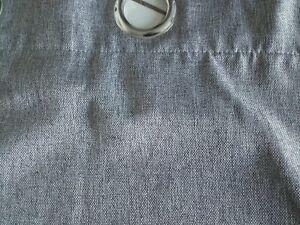Rideaux gris obscurcissants à oeillets