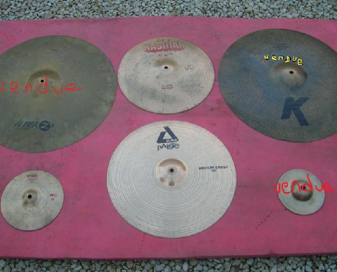 nombreuses cymbales