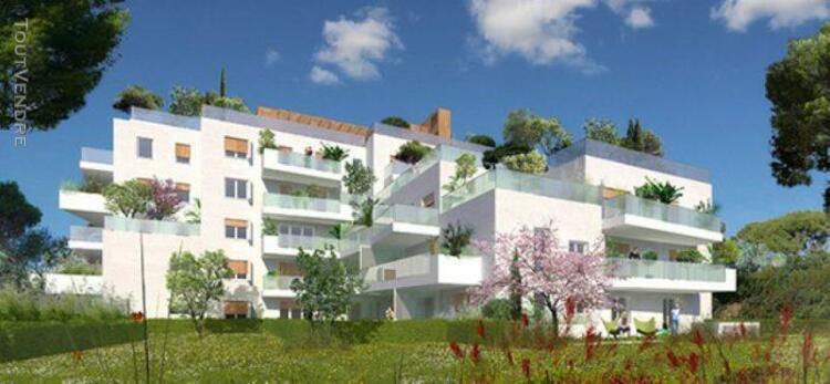 T4 traversant de 93,57 m² avec terrasse de 25,90 m² et