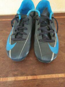 Chaussures nike foot