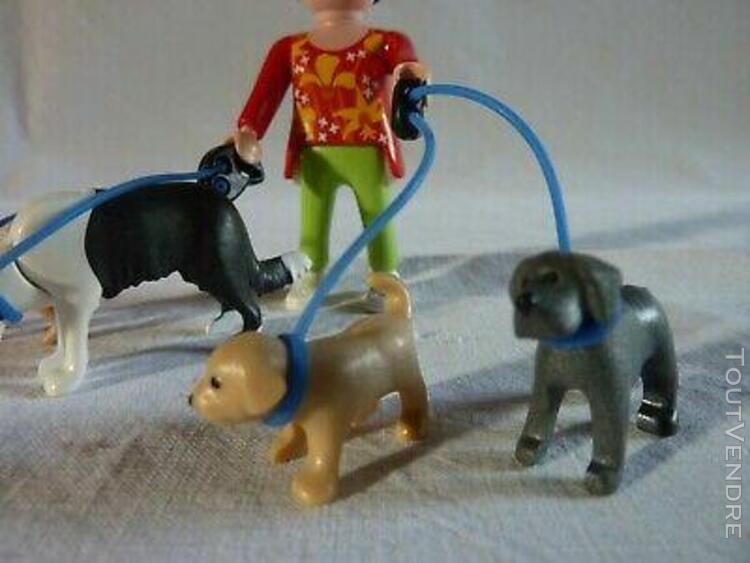 Playmobil personnage animaux dame et ses chiens et chiots en