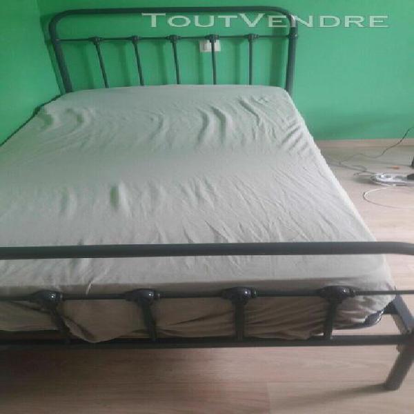 lit 90 cm enfant ou adolescent métal gris bon état avec