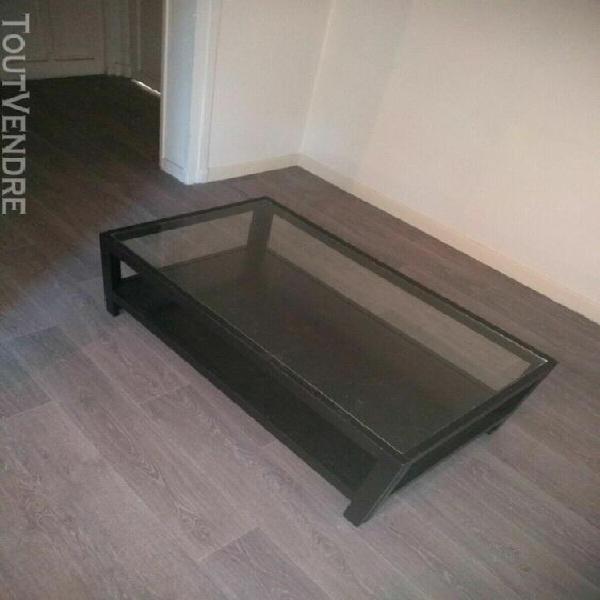 table basse avec vitre en boit noir