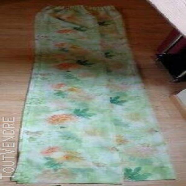 Rideaux voile vert (la paire) (hauteur: 245 cm + ourlet de 1
