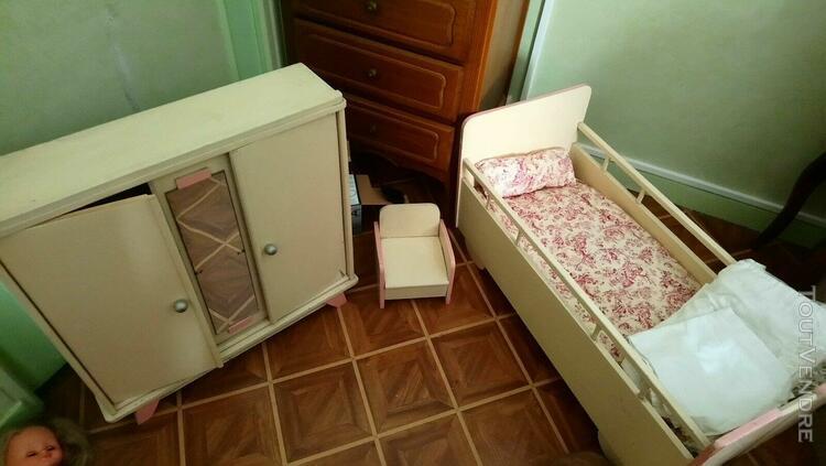 Jouet ancien chambre à coucher armoire, lit et fauteuil