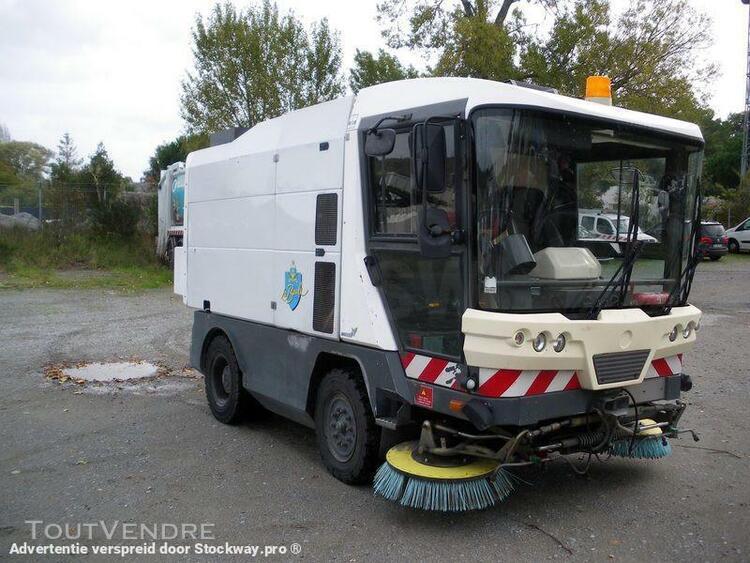 Véhicule automoteur spécialisé voirie - ravo 540
