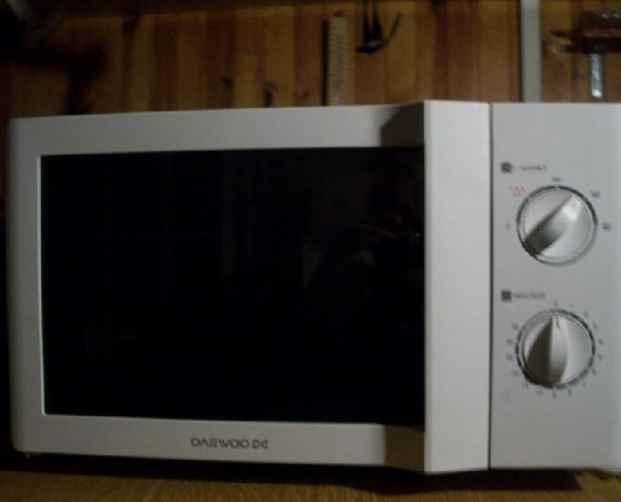 four micro-ondes daewoo