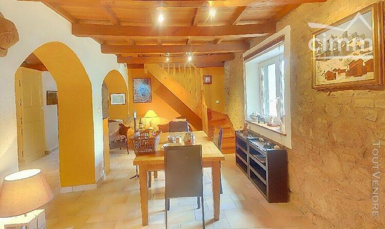 Proche la clayette belle maison en pierre au calme 71800 st