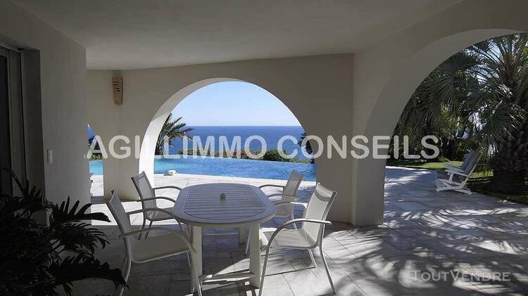 Superbe villa de 270 m2 vue mer aux issambres