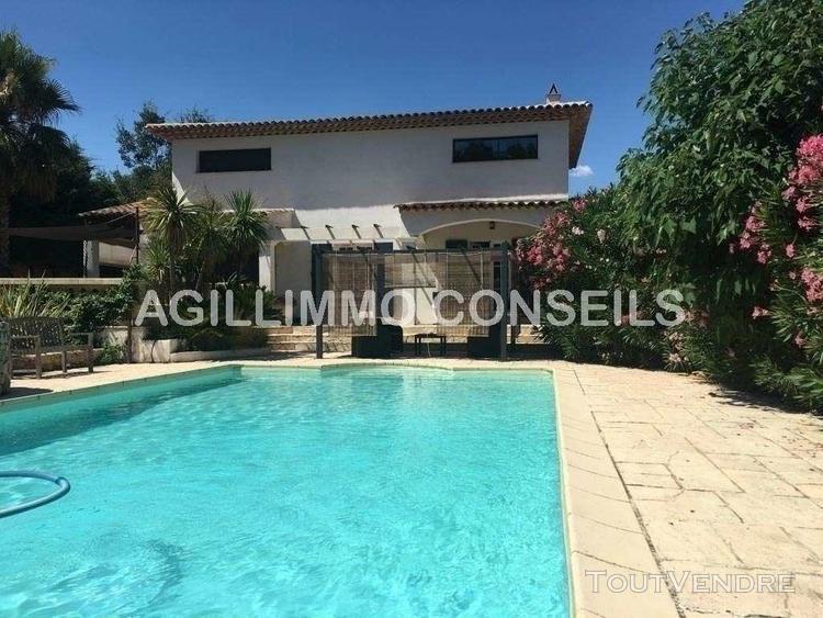 Villa 6 pièces avec piscine