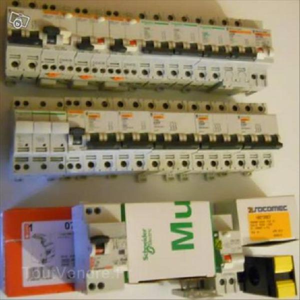 Faire offre lot matériel électrique disjoncteurs