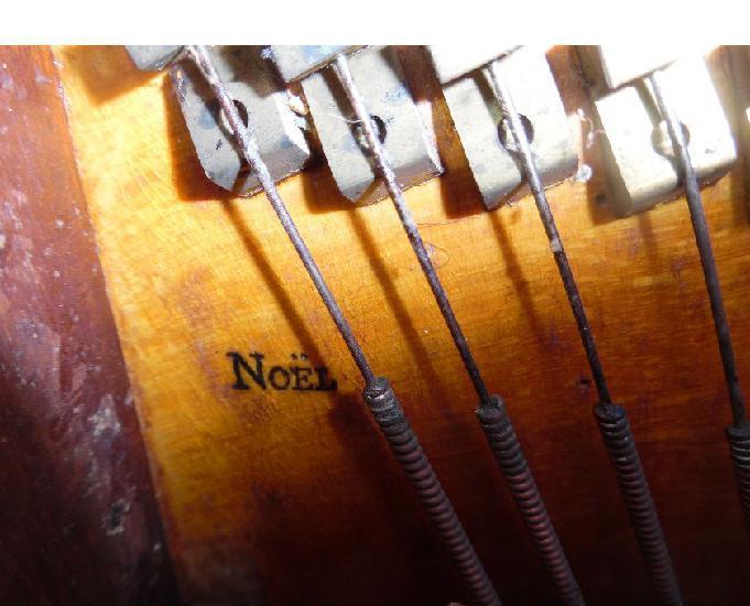 Piano droit pleyel n° 18077 de 1852 finit. plac. ronce