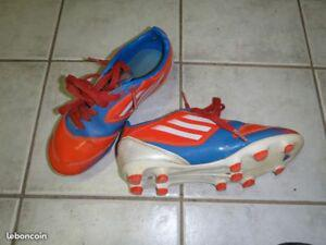Chaussures de foot adidas taille 33 (f50)