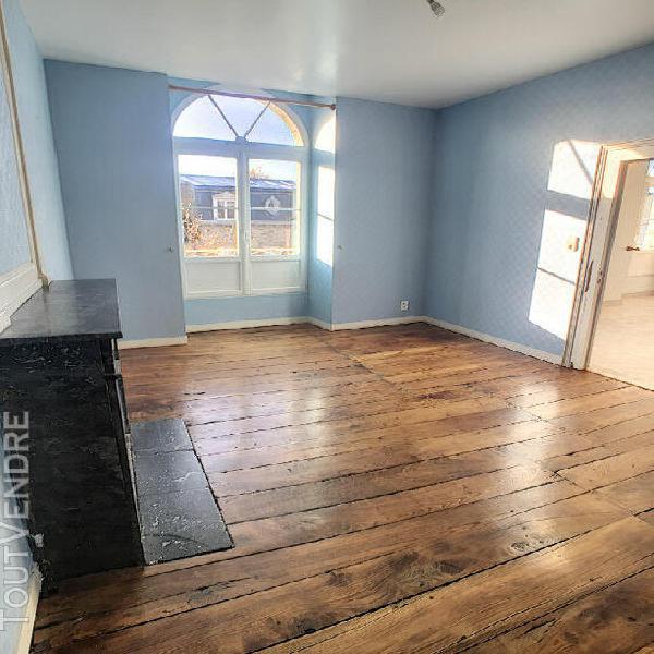 Appartement centre de pontorson (50) 3 pièce(s) 85 m2