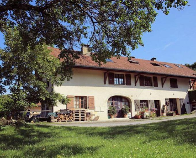 Grand t3 douplex de 105 m², rez-de-jardin à 20 mn