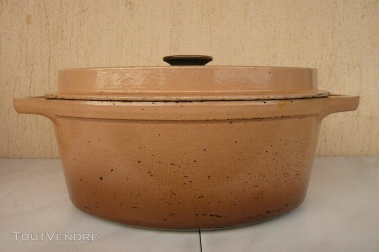 Invicta grande cocotte / marmite en fonte ovale marron brill