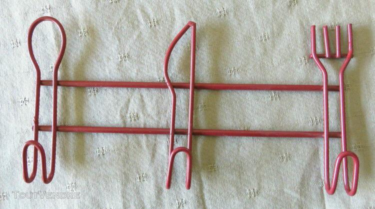accroche torchons motif couverts métal peint rouge crochets