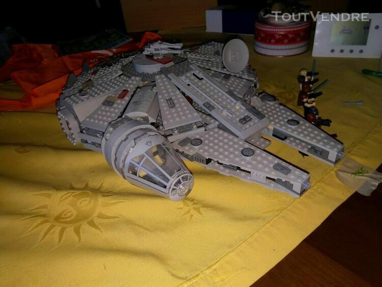 Lego ref 7965 star wars faucon millenium 1ere generation fi