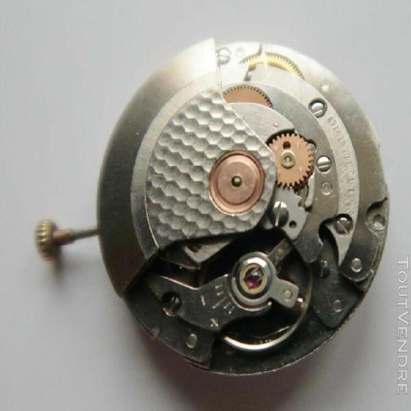 Fe 4611: 1 mouvement complet pour pièces ou à rénover.