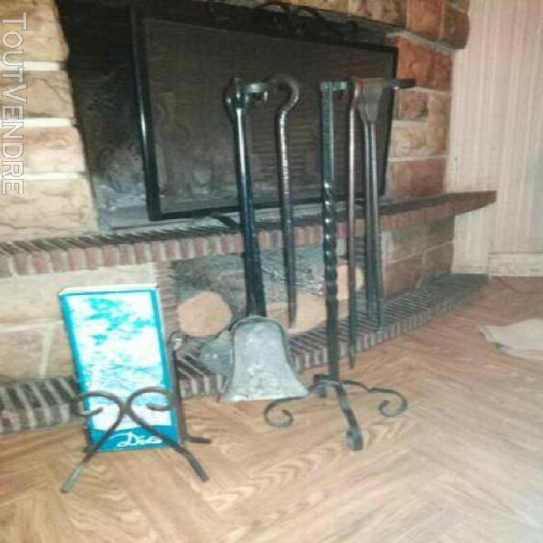 serviteur cheminée / coin de feu cheminée rustique en fer