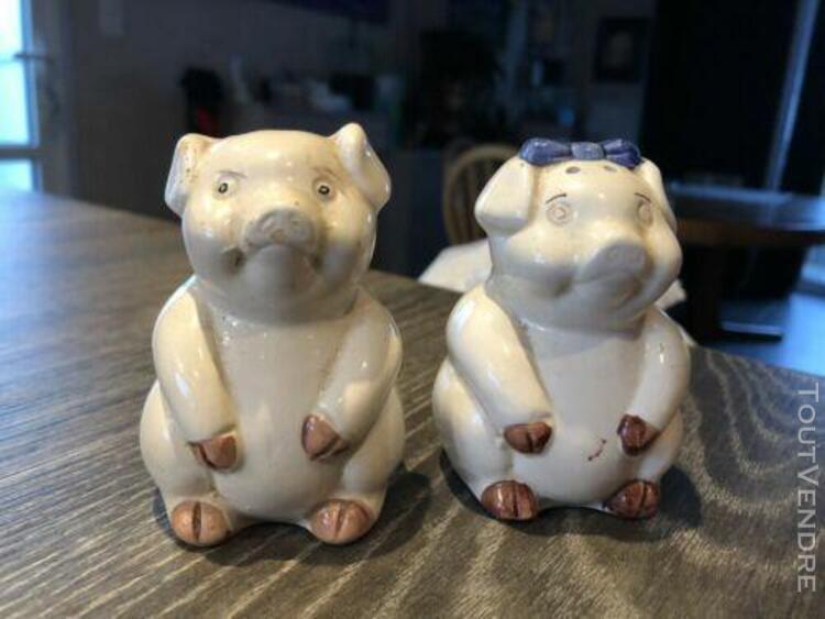 ancien poivre et sel en forme de cochon en porcelaine figuri