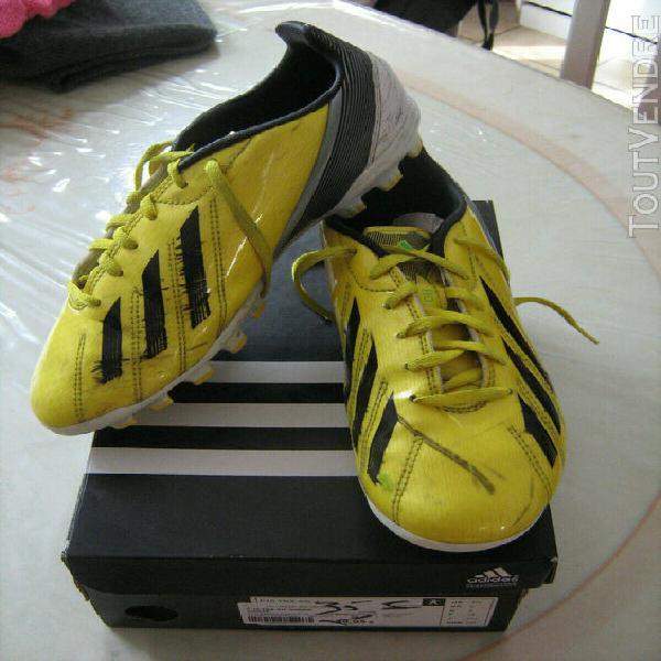 Chaussures de foot t. 38 adidas