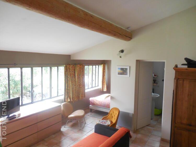 Clos des trams, studio 27 m² climatisé et meublé