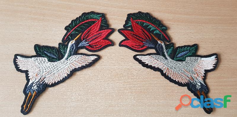 écusson brodé paire d'oiseaux + fleur grue japonaise 19x7 cm thermocollant