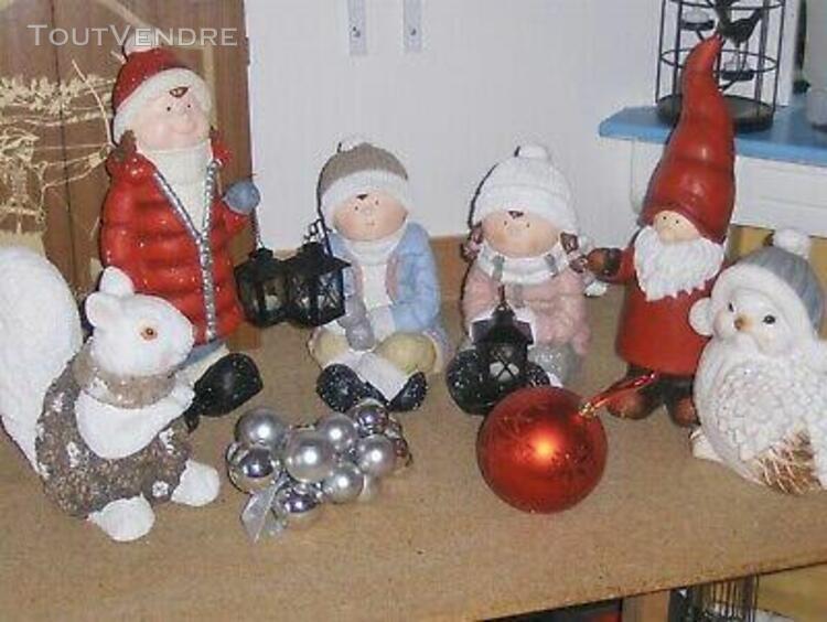 st) vive noel: décoration figurines géantes