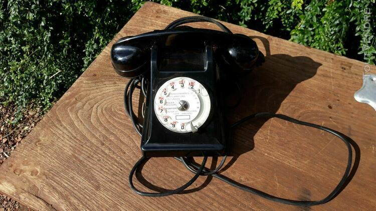 Telephone noir bakélite