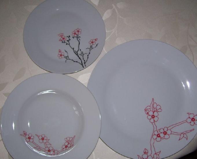 Service de 18 assiettes en porcelaine neuf jamais utiliser