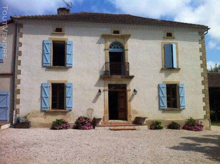 Belle maison de maître, excellent rénovée, chambres