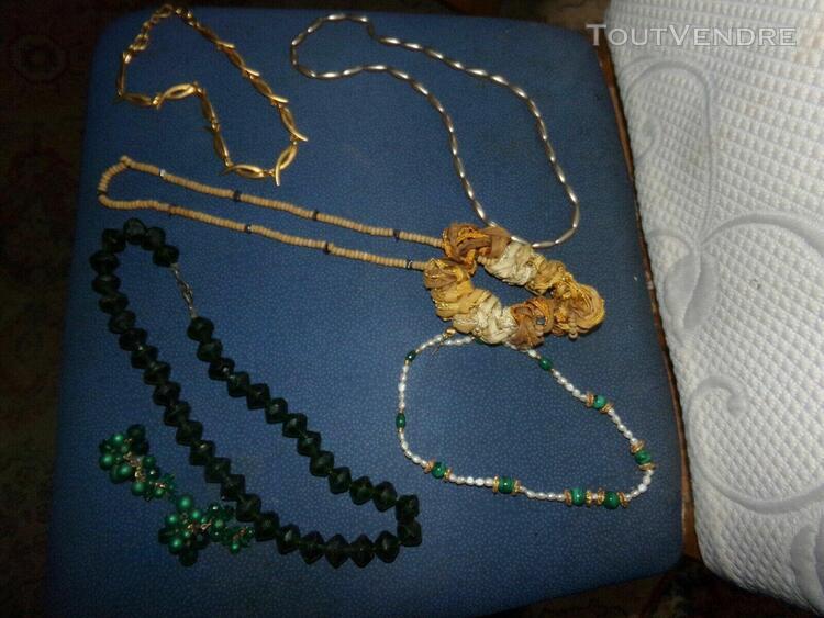 colliers fantaisie 5 colliers & 1 paire de boucles d'oreill