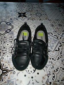 Chaussures adidas noire a lacets t 38 femme,mais petit 38