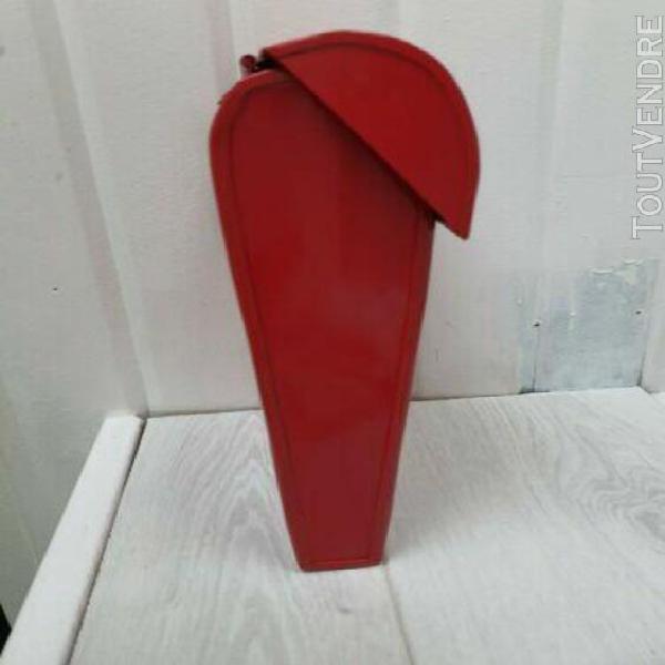 Boîte aux lettres décorative rouge