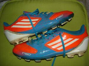 Chaussures de foot / crampons moullés adidas taille 38 2/3