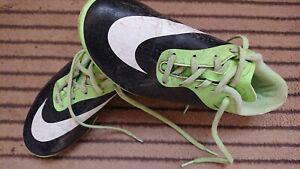 Chaussures de football nike pointure 37,5