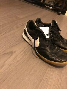 Nike tiempo futsal shoes porté une fois