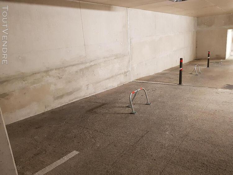 Parking / box 12 m2