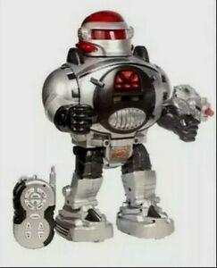 Robot jouet ancien marche parle tourne avec bruitages